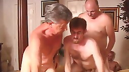 Bi family I want to play with!
