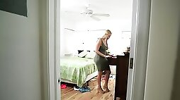 Busty blonde MILF teaches skinny stepdaughter about lesbian sex