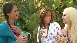 Flirtatious morning lesbians