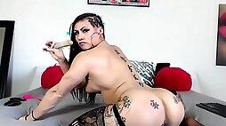 Stunning inked muscular queen karma fucks hot gaping ass