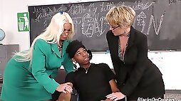 Dee Williams and Alura Jenson are goddesses deserving to be fucked good