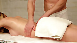 Naughty honey With A Surprise inwards Her Gets Satisfied By A Masseur