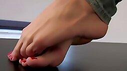 Foot fetish & foot model lea