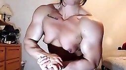 Muscle webcam girl
