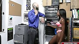 An officer is so pissed with the ebony shoplifter for stealing his phone.The phone was recovered after the stripsearch.The ebony babe doesnt want the cops to get involved and so she just lets the officer touch her all over and fucks her on his table.