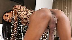 Gorgeous Ebony TS Dazia Cockdazian Pleases Herself